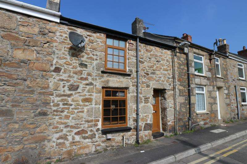 2 Bedrooms Terraced House for sale in Vyvyan Street, Camborne, Cornwall