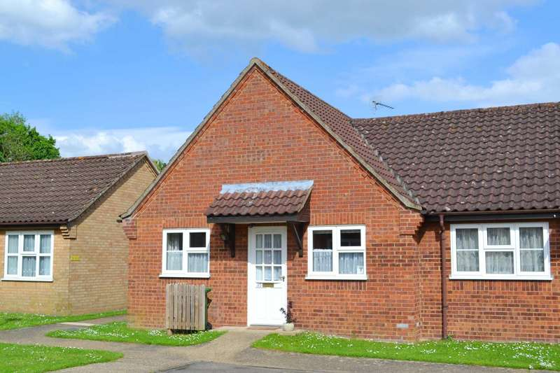2 Bedrooms Semi Detached Bungalow for sale in Northwell Pool Road, Swaffham