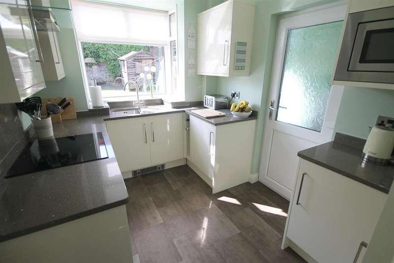 3 Bedrooms Semi Detached House for sale in Limefield Avenue, Farnworth, Bolton, BL4 7JR