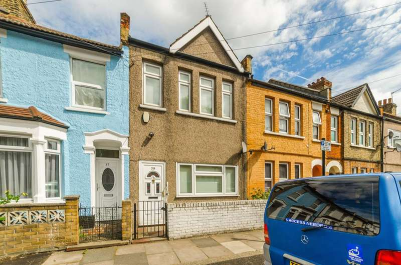 2 Bedrooms Terraced House for sale in Chadwin Road, Plaistow, E13