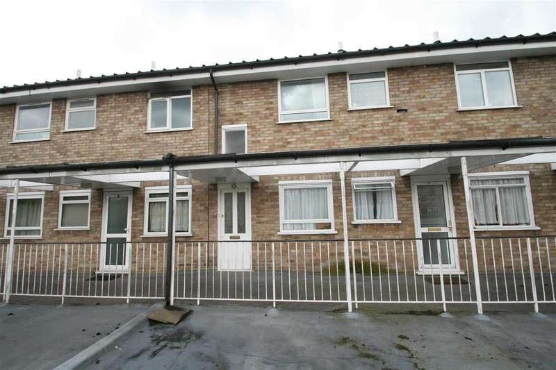 2 Bedrooms Apartment Flat for sale in Claire Court, High Road, Bushey Heath