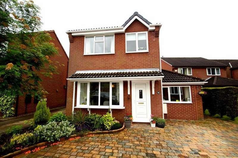 3 Bedrooms Detached House for sale in Cranewells View, Leeds