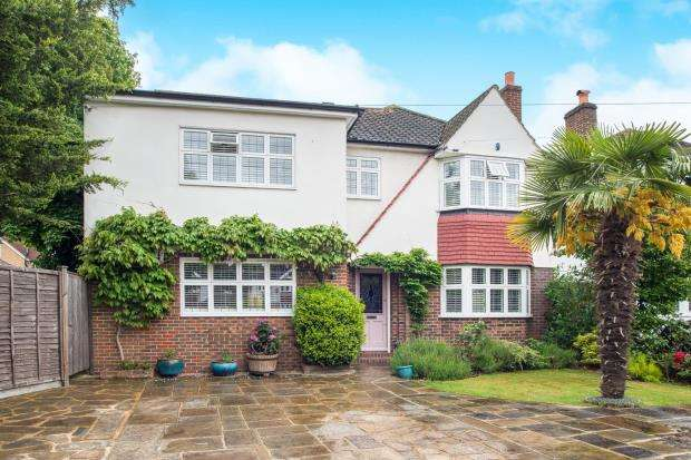 5 Bedrooms Detached House for sale in East Molesey, Surrey