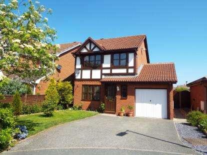 House for sale in Llwyn Rhuthun, Bodelwyddan, Rhyl, Denbighshire, LL18