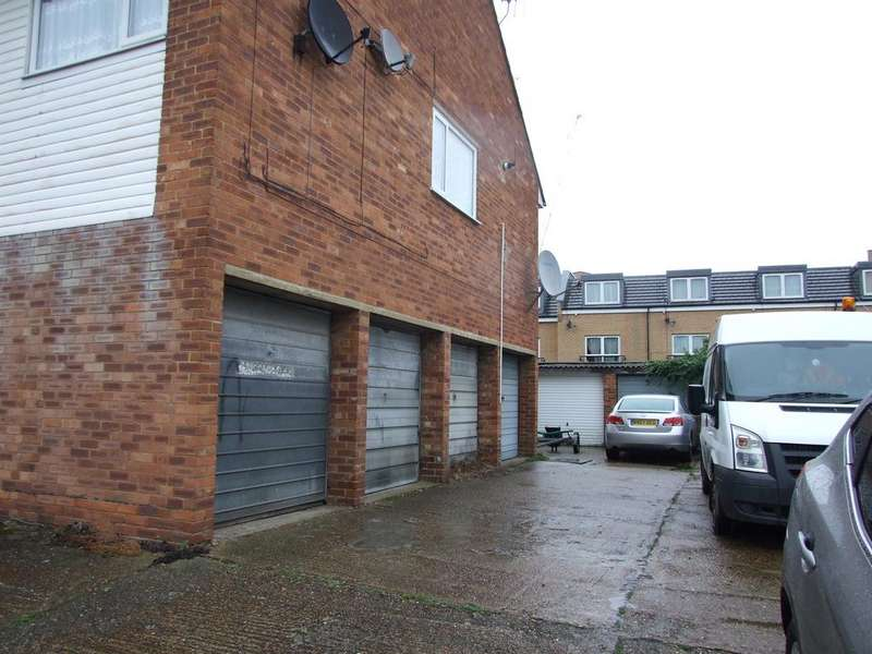 Garages Garage / Parking for sale in 14-38 Linkfield Road, Isleworth