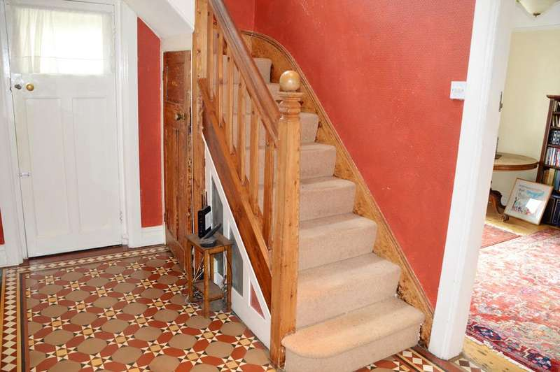 5 Bedrooms Detached House for sale in Hillcrest,Sandford Avenue, Church Stretton SY6 7AB