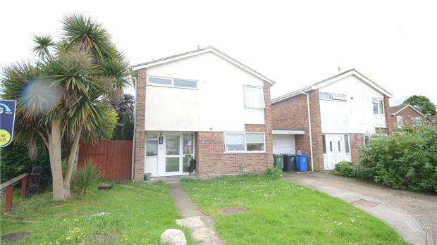3 Bedrooms Link Detached House for sale in White Horse Road, Windsor, Berkshire