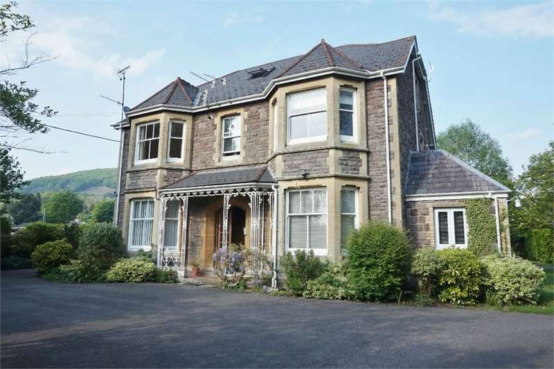 2 Bedrooms Maisonette Flat for sale in 33 Avenue Road, ABERGAVENNY, Monmouthshire, NP7