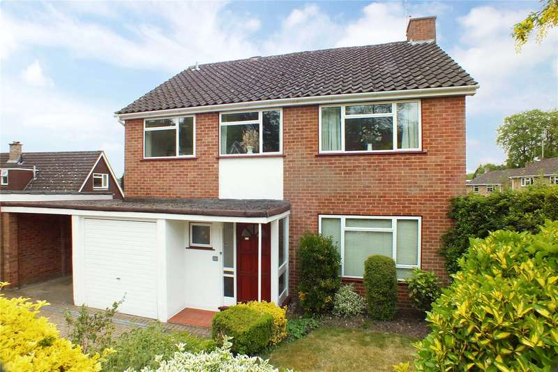4 Bedrooms Detached House for sale in Knoll Road, Fleet, GU51