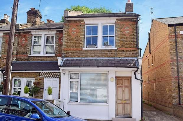1 Bedroom Flat for sale in Winchester Road, St Margarets, Twickenham