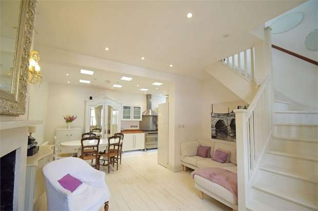 3 Bedrooms Cottage House for sale in Orleans Road, East Twickenham