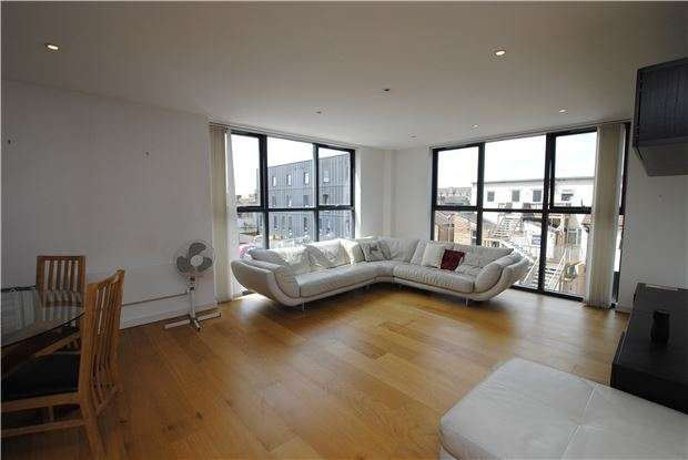 2 Bedrooms Flat for sale in Airpoint Skypark Road, Bedminster, Bristol, BS3 3NQ