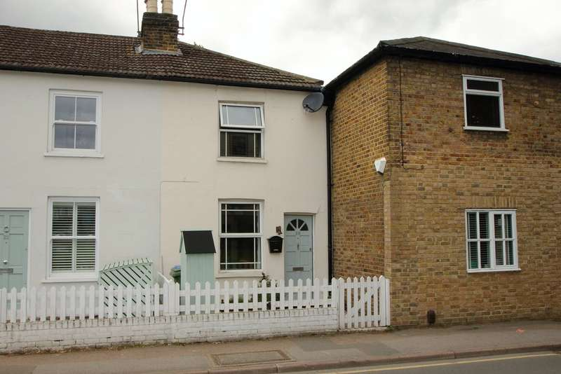 2 Bedrooms Cottage House for sale in Thorkhill Road, Thames Ditton