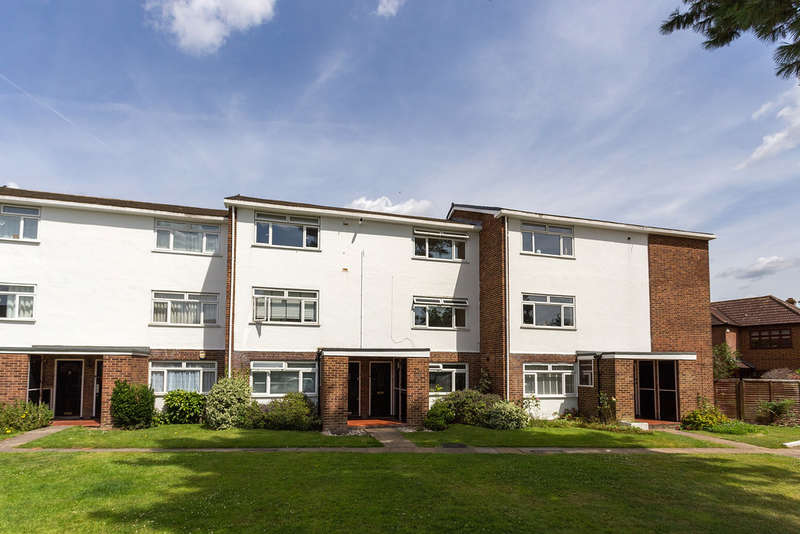 2 Bedrooms Maisonette Flat for sale in Carters Hill Close, London