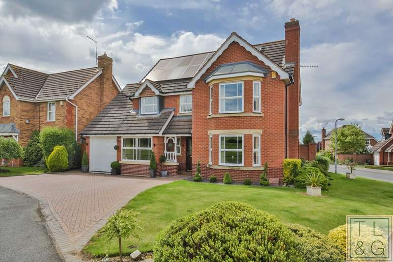 4 Bedrooms Detached House for sale in Tyne Drive, Evesham
