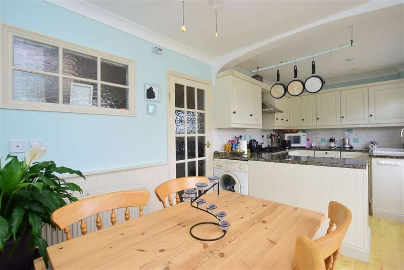 3 Bedrooms Semi Detached House for sale in Ladysmith Grove, Seasalter, Whitstable, Kent