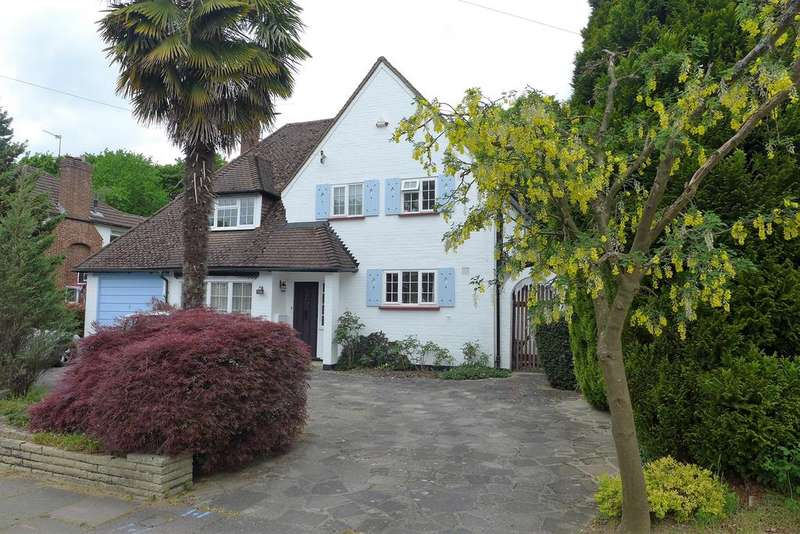 4 Bedrooms Detached House for sale in Broadwood Avenue, Ruislip