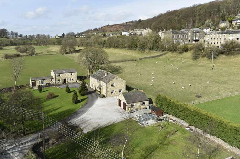 4 Bedrooms Detached House for sale in White House Farm, Skipton Road, Farnhill, Keighley BD20 9BT