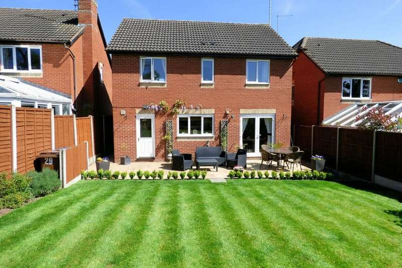4 Bedrooms Detached House for sale in Forest Edge Way, Burton-on-Trent