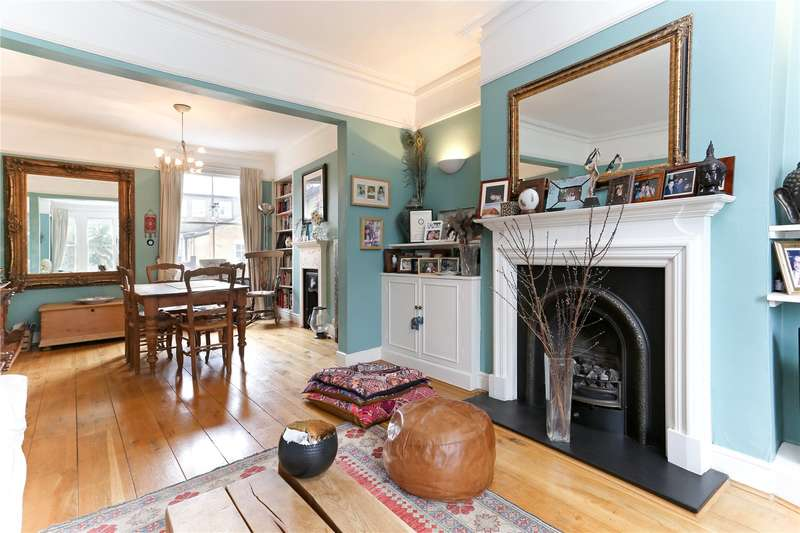 3 Bedrooms Flat for sale in Rusthall Avenue, London, W4