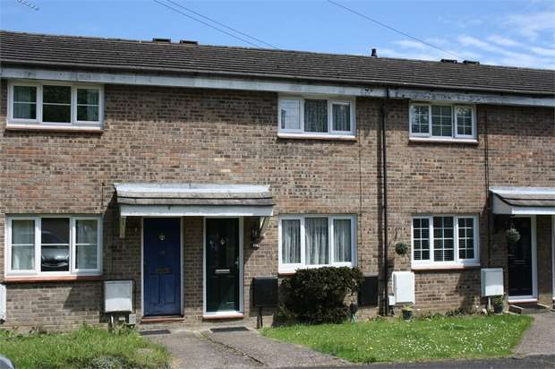 2 Bedrooms Terraced House for sale in St Josephs Road, ALDERSHOT, Hampshire