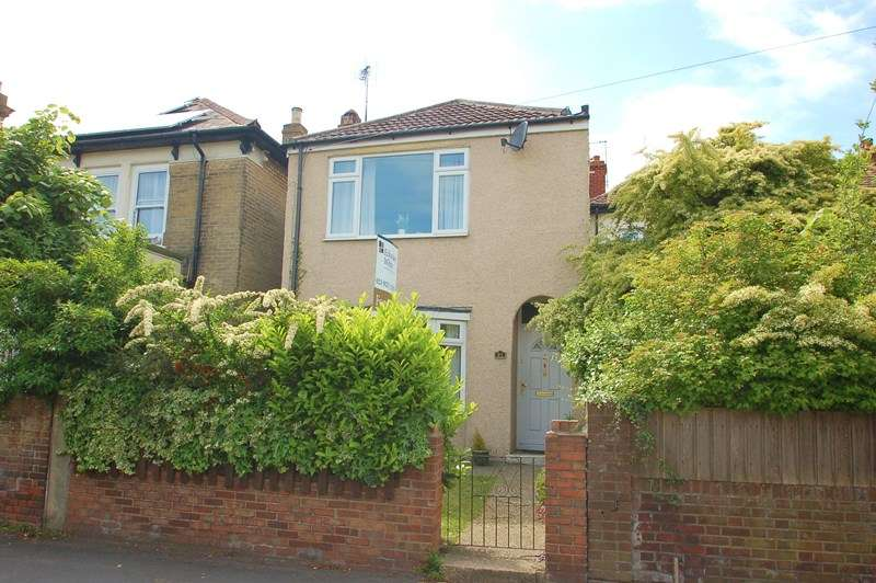 4 Bedrooms Detached House for sale in Brockhurst Road, Gosport