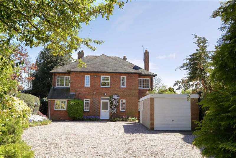 5 Bedrooms Detached House for sale in Longslow Road, Market Drayton, TF9