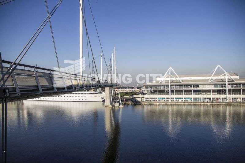 1 Bedroom Flat for sale in Anchor Building, Royal Wharf, Royal Dock, Docklands E16