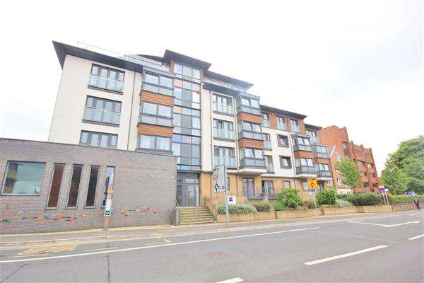 2 Bedrooms Apartment Flat for sale in Denmark Court, 40 Wimborne Road, Poole