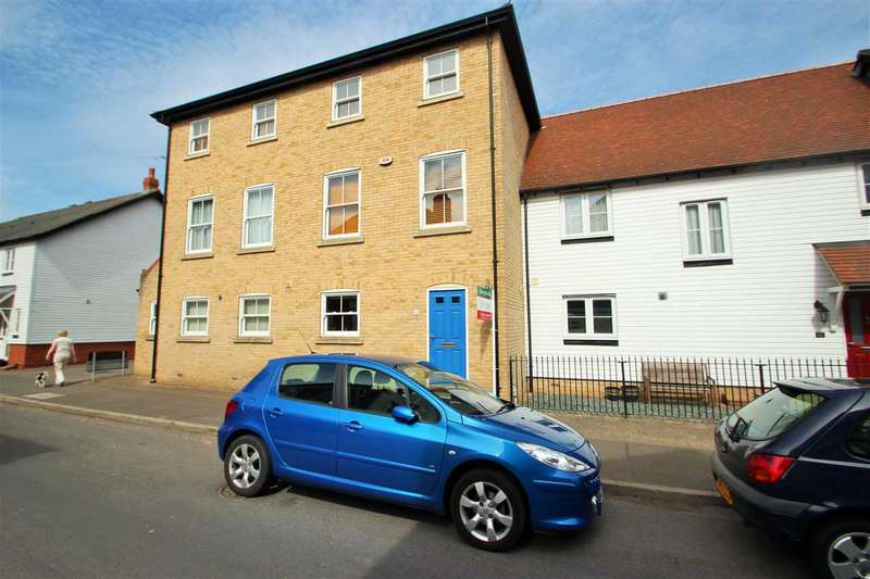 3 Bedrooms Town House for sale in High Street, Rowhedge, Colchester