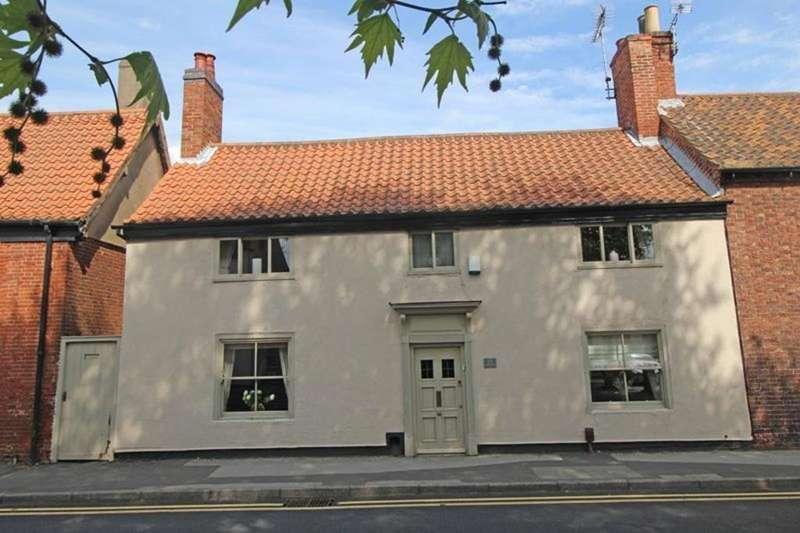 3 Bedrooms Cottage House for sale in Blenheim Cottage, 17 Park Street, Worksop