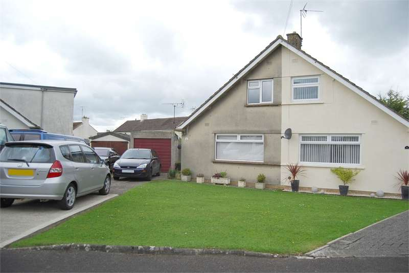2 Bedrooms Semi Detached Bungalow for sale in Ryelands Close, Stonehouse, Gloucestershire