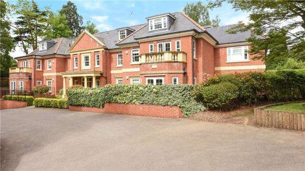 2 Bedrooms Apartment Flat for sale in Wilbury Lodge, Dry Arch Road, Sunningdale