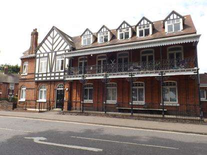 2 Bedrooms Flat for sale in Wimpole Road, Colchester, Essex