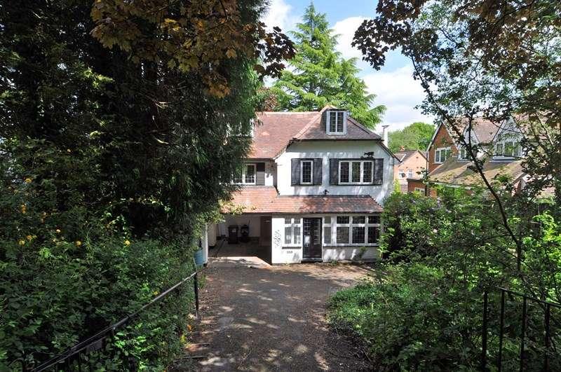 3 Bedrooms Detached House for rent in Barnt Green Road, Cofton Hackett, Birmingham