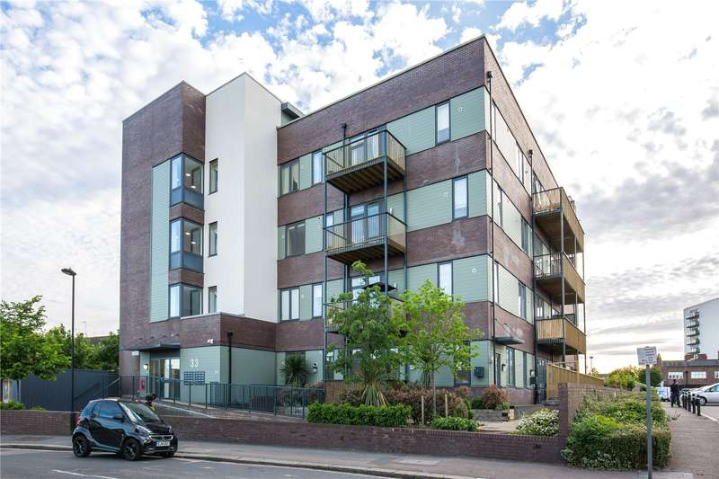 2 Bedrooms Apartment Flat for sale in Wenlock House, 33 Eaton Road, Enfield, EN1