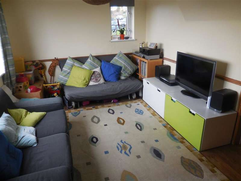 3 Bedrooms End Of Terrace House for sale in St. Davids Avenue, Aycliffe, Dover, Kent