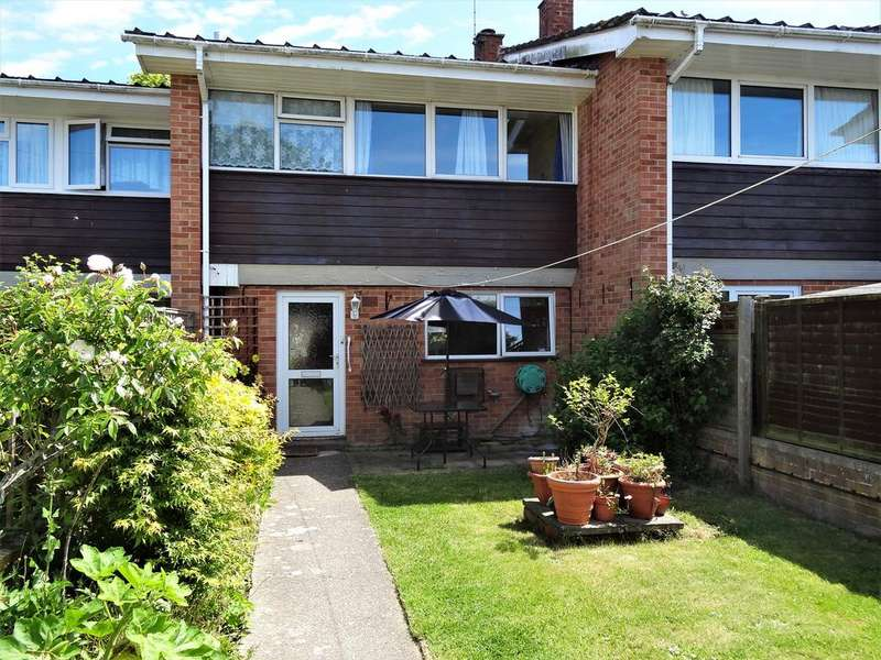 3 Bedrooms Terraced House for sale in St. Georges Drive, Chichester PO19