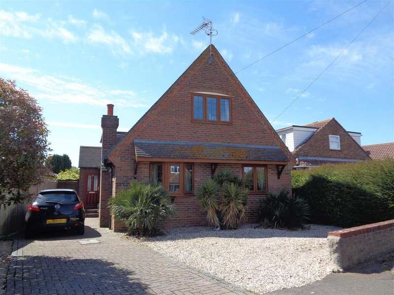 4 Bedrooms Detached House for sale in Lion Road, Nyetimber
