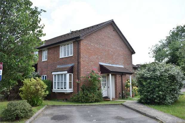 1 Bedroom End Of Terrace House for sale in Angel Place, Binfield, Berkshire