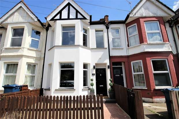2 Bedrooms Flat for sale in Merivale Road, Harrow, Middlesex