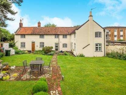 4 Bedrooms Detached House for sale in Nottingham Road, Radcliffe-On-Trent, Nottingham, Nottinghamshire