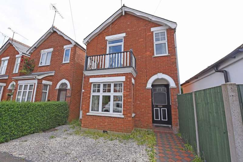 3 Bedrooms Detached House for sale in Windsor Road, Farnborough, GU14