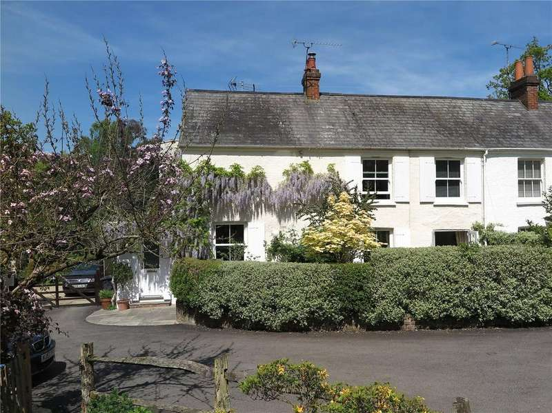 3 Bedrooms End Of Terrace House for sale in Lavender Lane, Rowledge, Farnham, GU10