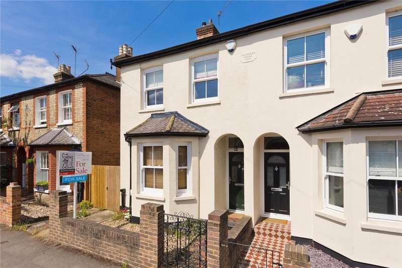 3 Bedrooms Semi Detached House for sale in Elmgrove Road, Weybridge, KT13