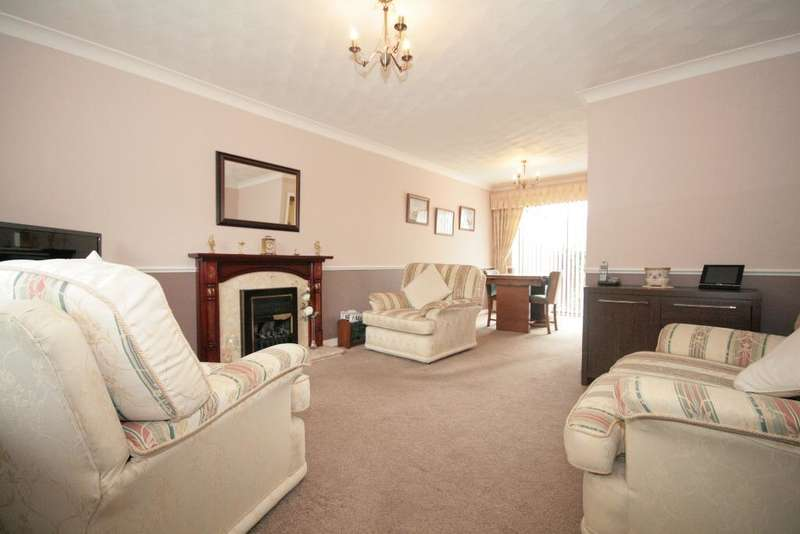 3 Bedrooms Semi Detached House for sale in Charnleys Lane, Southport, PR9 8HH