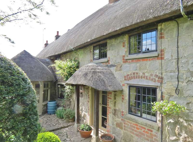 3 Bedrooms Cottage House for sale in Audley Down, Lockeridge