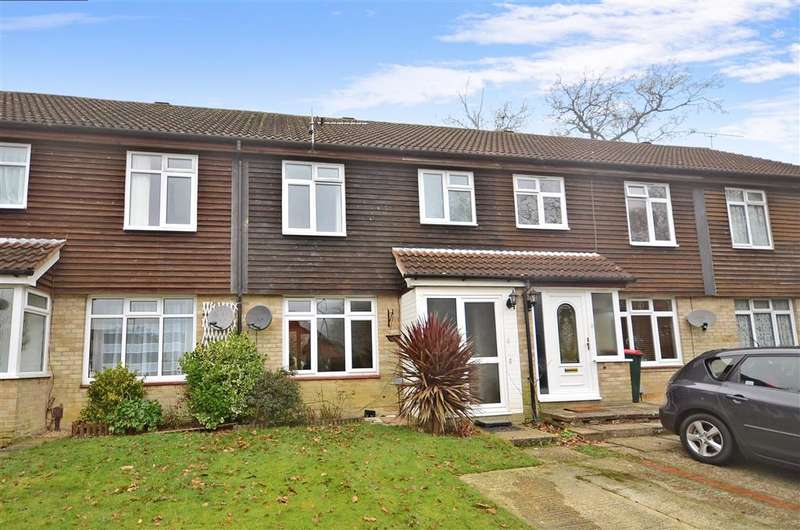 3 Bedrooms Terraced House for sale in Malvern Road, Southgate, Crawley, West Sussex