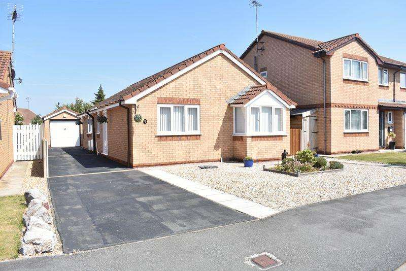 3 Bedrooms Detached Bungalow for sale in Maes Seiriol, Abergele
