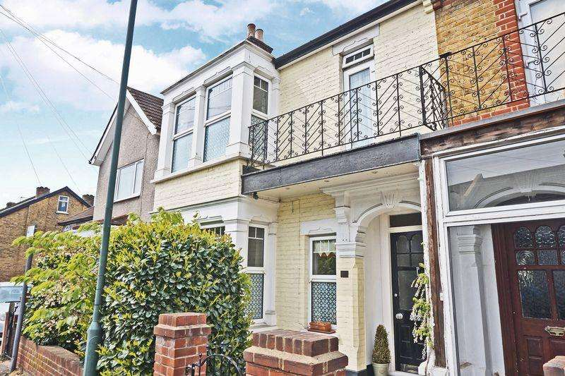 4 Bedrooms Semi Detached House for sale in Abbey Road, Bexleyheath